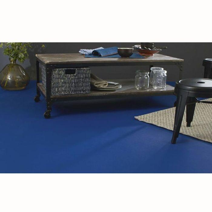 de la couleur au sol elle d coration. Black Bedroom Furniture Sets. Home Design Ideas