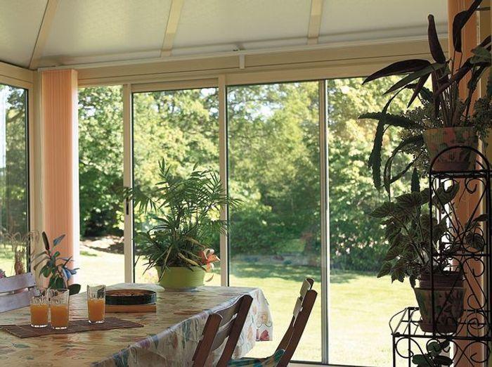 une v randa dans ma cuisine elle d coration. Black Bedroom Furniture Sets. Home Design Ideas