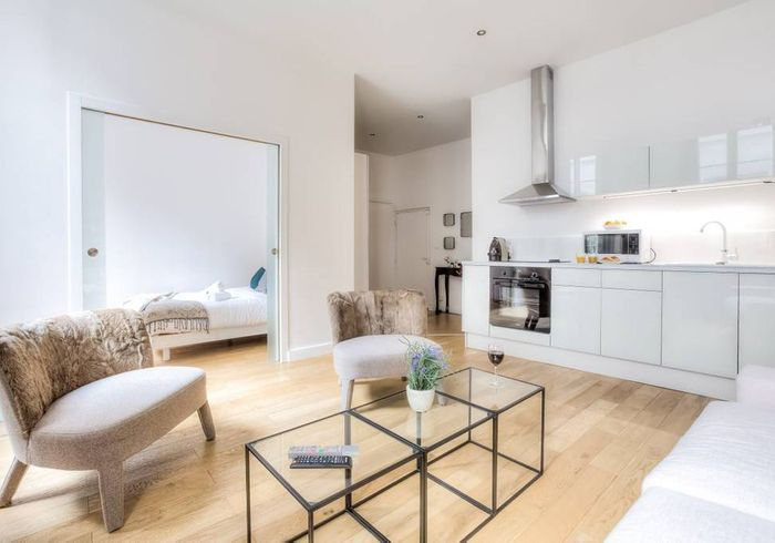 Appartement rénové à Paris