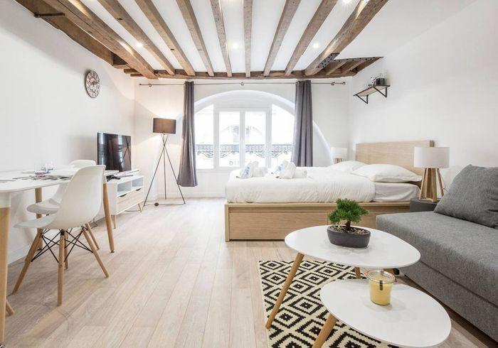 les plus beaux appartements parisiens disponibles sur airbnb elle d coration. Black Bedroom Furniture Sets. Home Design Ideas