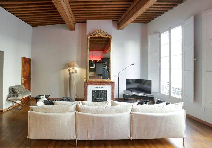 Appartement avec poutres apparentes à Avignon