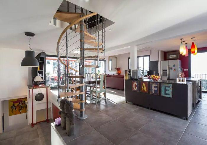 Maison à la déco industrielle à Nice