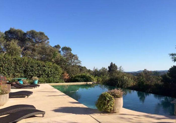 Villa luxueuse avec piscine à débordement près de Nice