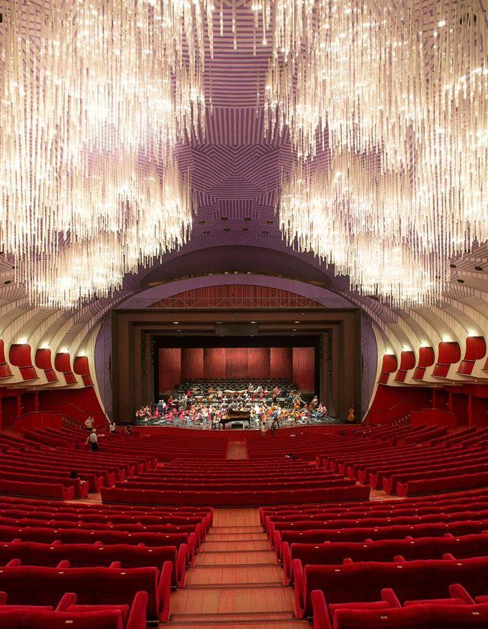 Teatro Regio, Opéra Iconoclaste