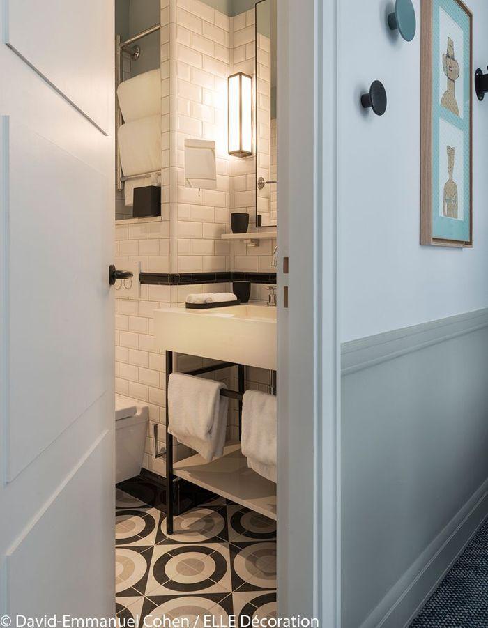 Une salle de bains de l'hôtel Adèle&Jules