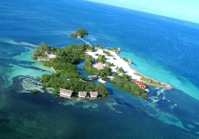 Une île paradisiaque à privatiser à Dangriga (Belize)