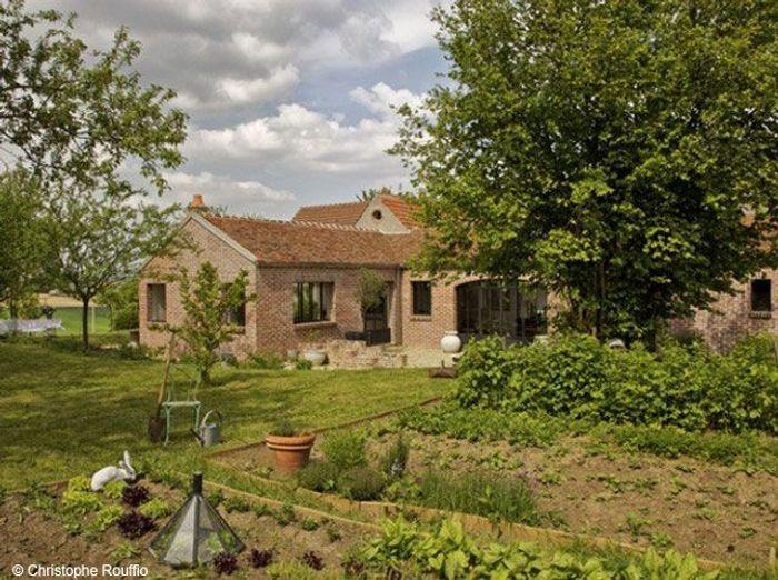 aimeriez vous avoir une maison avec jardin elle d coration. Black Bedroom Furniture Sets. Home Design Ideas