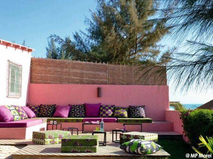 Au Sénégal, une maison couleur boubou