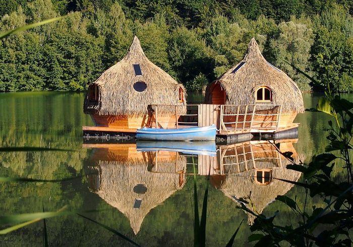 Cabane dans les arbres ou cabane sur roulette dormir - Cabanes dans les arbres construction deco ...