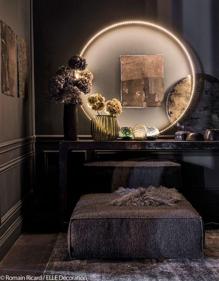 cet appartement ose le total look dans chaque pi ce elle d coration. Black Bedroom Furniture Sets. Home Design Ideas