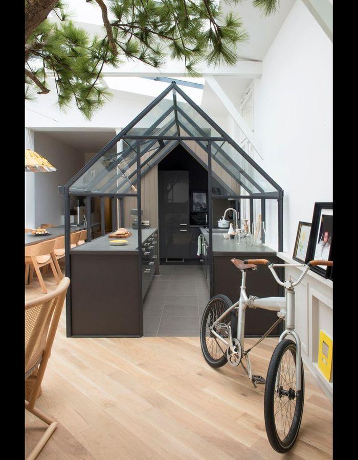 chez gr goire de lafforest un loft qui s 39 inspire de la nature elle d coration. Black Bedroom Furniture Sets. Home Design Ideas