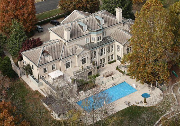 D couvrez les villas des stars entre luxe et d mesure elle d coration for Site de villa a louer