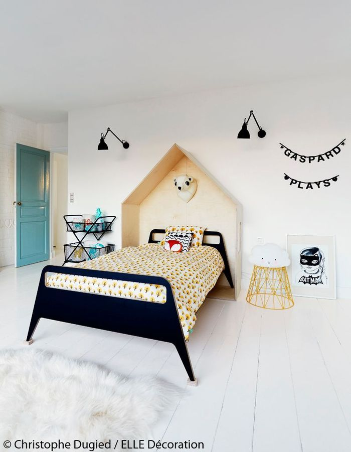 maison de vacances d coration blanche une maison de vacances en ville blanche et pur e. Black Bedroom Furniture Sets. Home Design Ideas