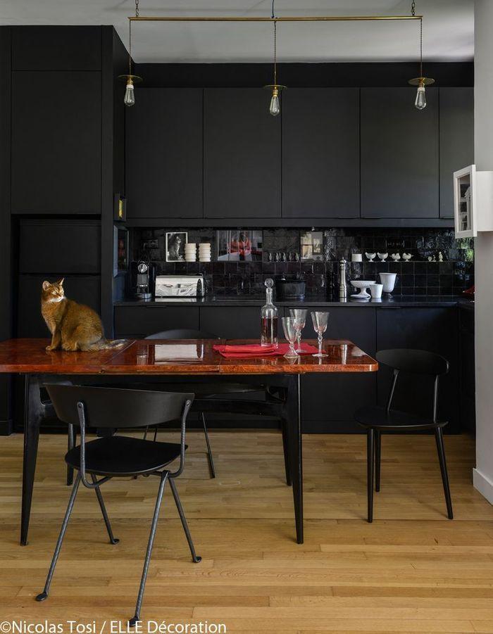 Une cuisine noire