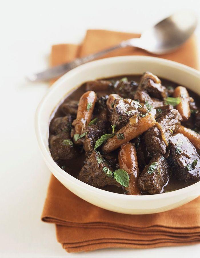 B uf bourguignon 10 recettes classiques revisit es avec - Quel vin pour cuisiner un boeuf bourguignon ...