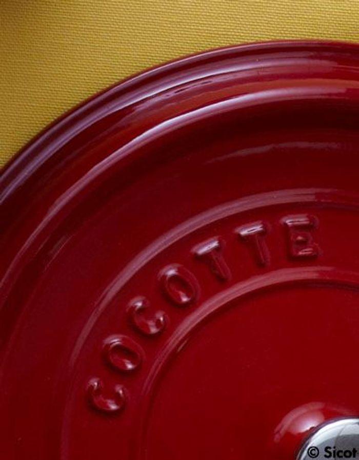 Peposo de jarret de boeuf 30 recettes de cocotte du monde entier elle table - Comment cuisiner du jarret de boeuf ...