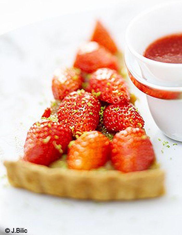 Tarte fraises-rhubarbe - 50 idées de tartes faciles - Elle à Table