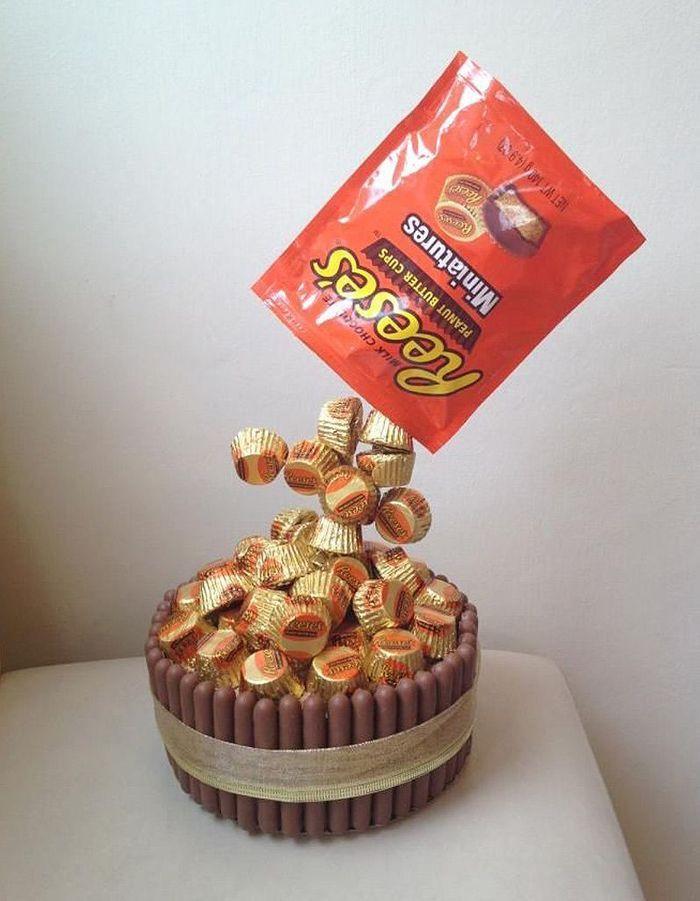 Gravity cake aux bonbons au beurre de cacahu tes 20 - Gravity cake noel ...