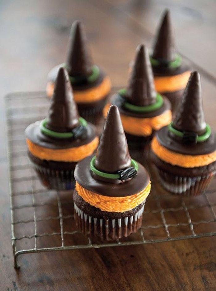 Cupcakes chapeau de sorci re halloween des recettes - Recette gateau halloween facile ...