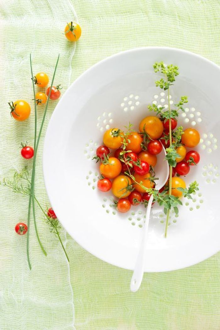 Tomates cerise les 10 plus petits fruits qui donnent envie de ne faire qu une bouch e elle - Tomate est un fruit ...