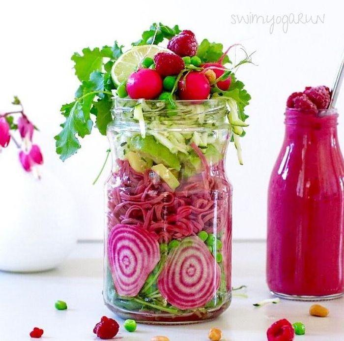 salade de betterave en bocal saladinajar le bon r flexe pour une alimentation saine elle. Black Bedroom Furniture Sets. Home Design Ideas
