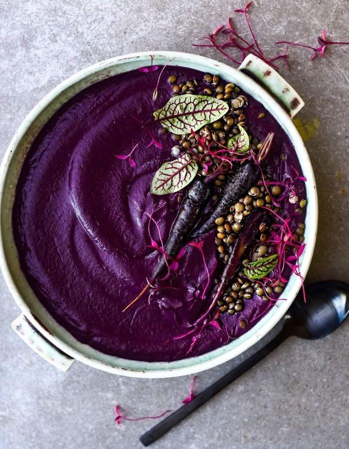 Des soupes violettes qui mettent de la couleur dans l'hiver