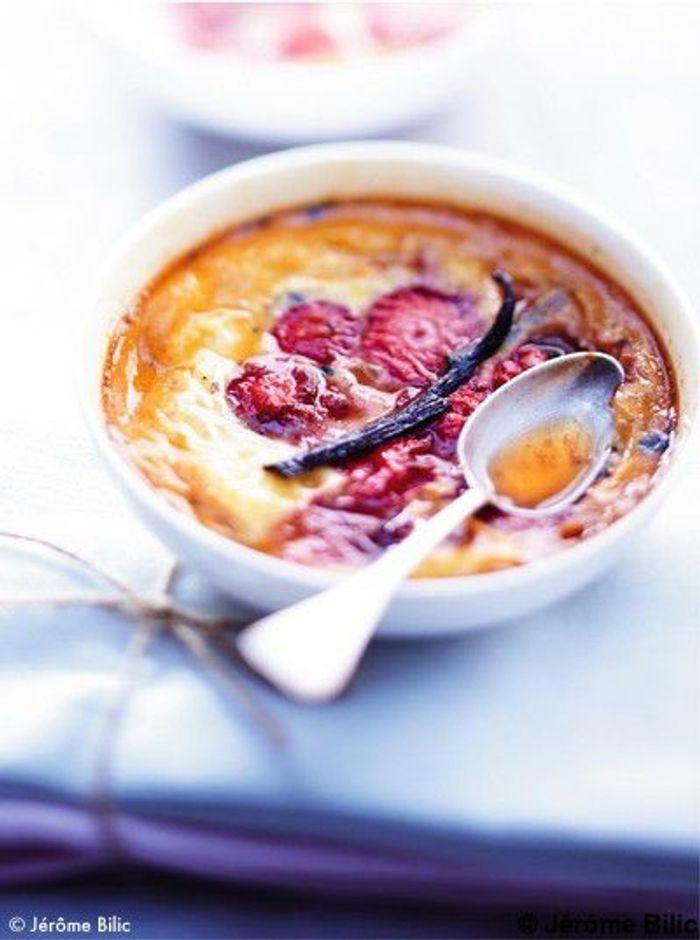 Crème caramel aux fraises