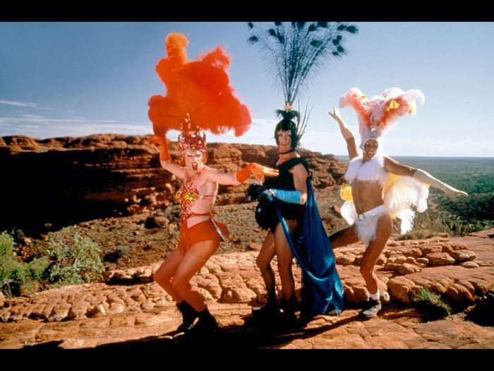 le jeu sans fin  - Page 3 Priscilla-folle-du-desert-de-Stephan-Elliott-1994