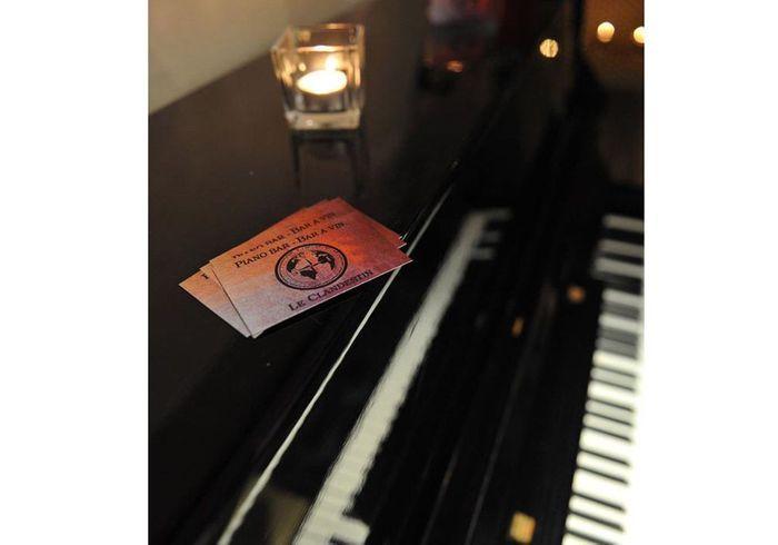 un piano bar montpellier notre guide des pianos bars les plus cosy en france elle. Black Bedroom Furniture Sets. Home Design Ideas
