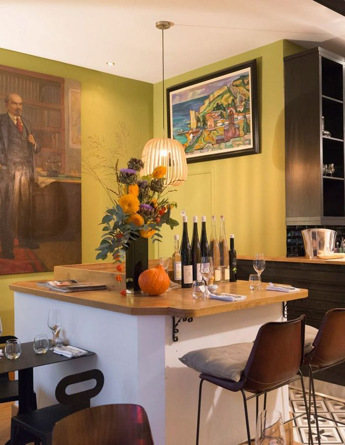 ratapoil du faubourg o sont les restaurants pr f r s d 39 ines de la fressange elle. Black Bedroom Furniture Sets. Home Design Ideas