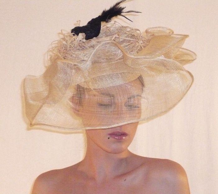 Chapeau champêtre de couleur naturelle par Un Amour de Chapeau