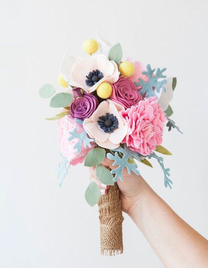 Bouquet de mari e diy avec des fleurs en feutrine 20 for Bouquet de fleurs 974