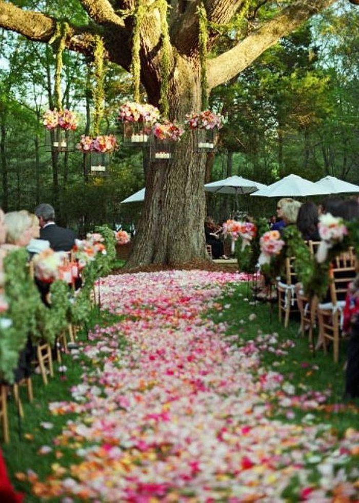 D coration de f te avec des p tales de fleurs 20 d corations de f te qui do - Decoration avec des fleurs ...