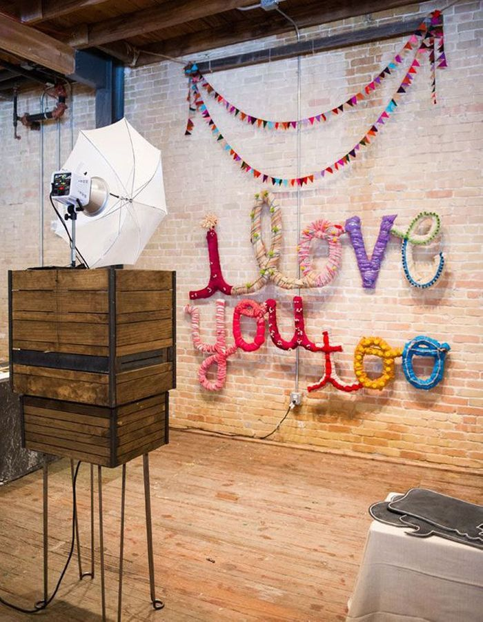 photobooth mariage photobooth 20 id es d co pour prendre la pose avec ou sans les mari s elle. Black Bedroom Furniture Sets. Home Design Ideas