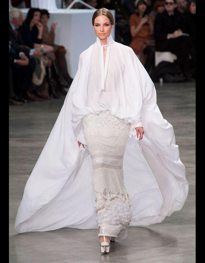 st phane rolland mari e majestueuse 24 mari es haute couture elle. Black Bedroom Furniture Sets. Home Design Ideas