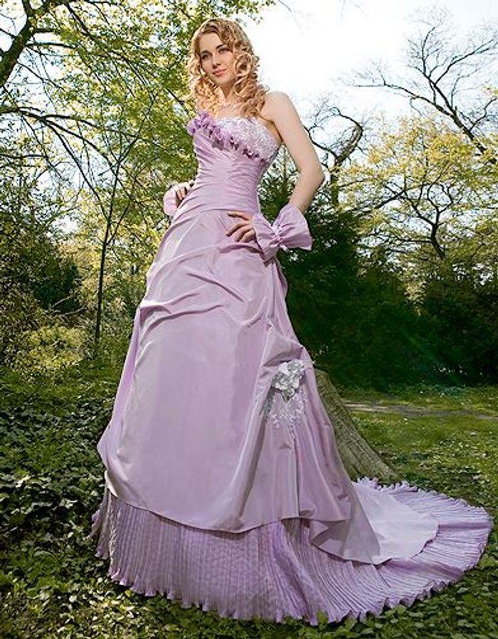 Mariage guide shopping robe couleur complicite lavande for Boutiques de mariage orlando