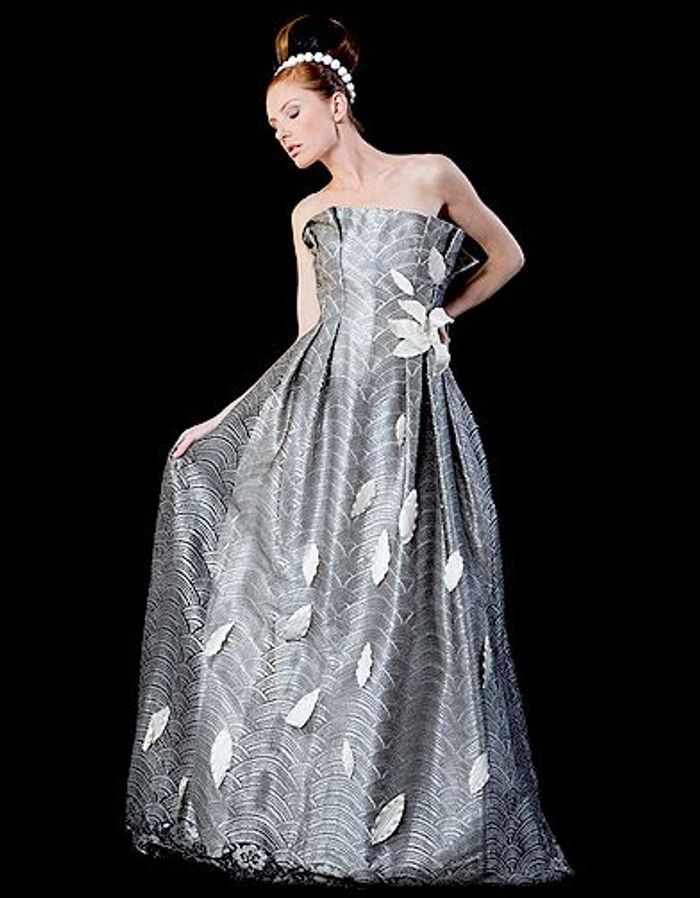 Mariage guide shopping robe couleur corolle docquin 20 for Boutiques de mariage orlando