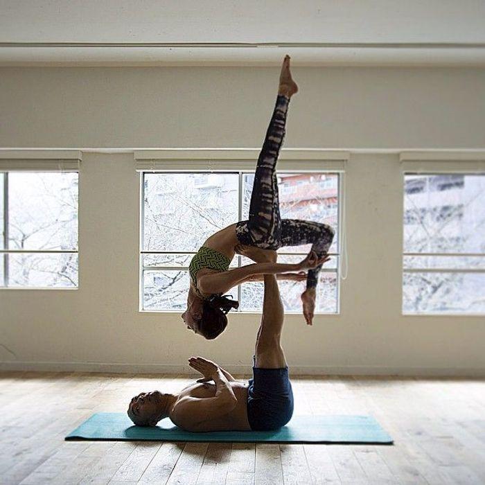 s ance de yoga deux yoga en couple les plus jolies photos rep r es sur instagram elle. Black Bedroom Furniture Sets. Home Design Ideas
