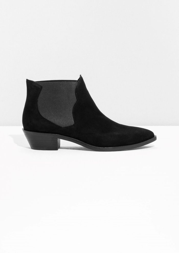 chaussures sold es other stories 45 paires de chaussures sold es shopper elle. Black Bedroom Furniture Sets. Home Design Ideas