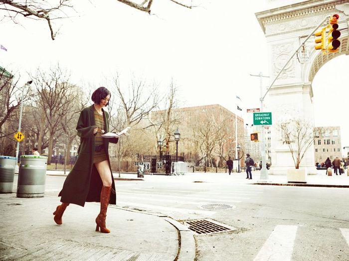 manteau long comment s 39 habiller comme une new yorkaise elle. Black Bedroom Furniture Sets. Home Design Ideas
