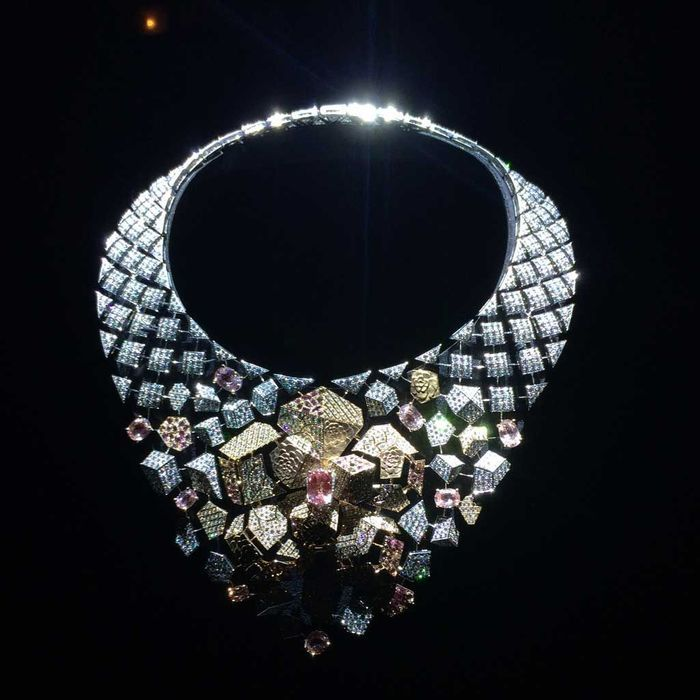 Chanel collection caf society collier sunset for Haute joaillerie chanel