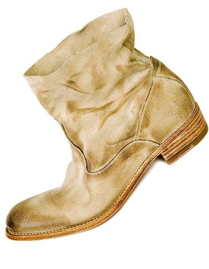 une paire de boots on copie le style de charlotte gainsbourg elle. Black Bedroom Furniture Sets. Home Design Ideas