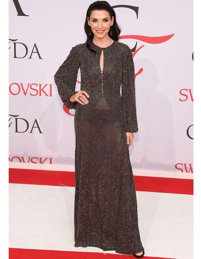 Julia Margulies en robe transparente