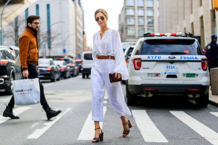 Blouse en coton léger   pantalon en lin parfait = la bonne allure évanescente