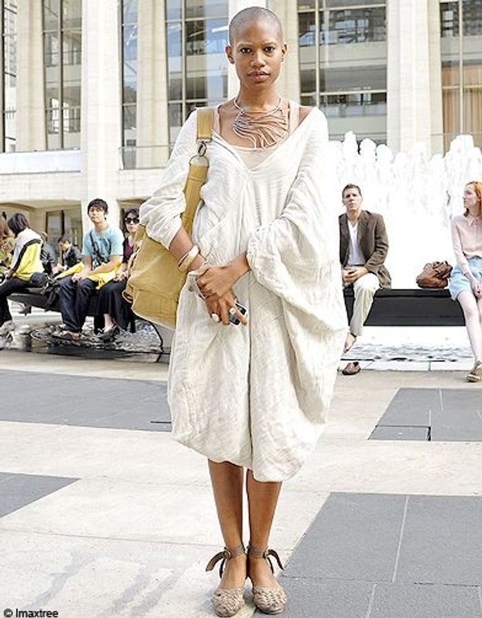 16mode Defiles New York Street Style Robe Beige Fashion Week Les New Yorkaises Font Leur