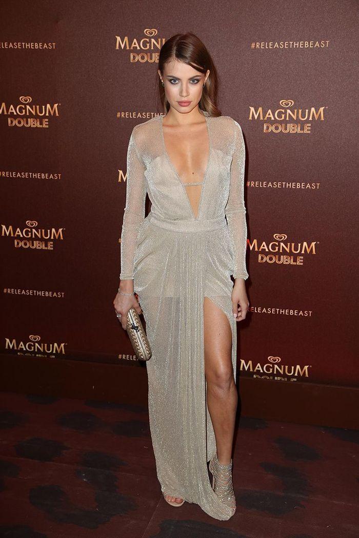 La robe fendue de Xenia Tchoumi