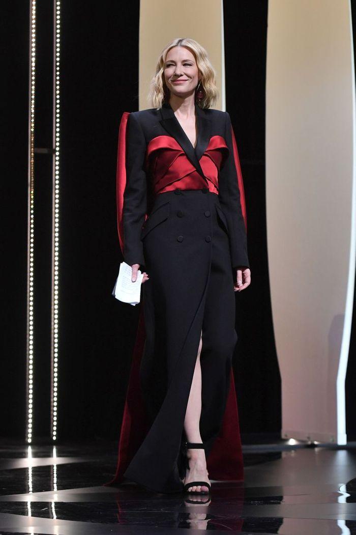 Cate Blanchett en robe /costume