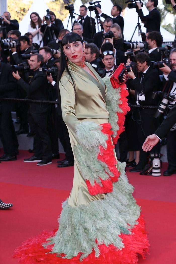 """Rossy de Palma en robe """"oiseau"""""""