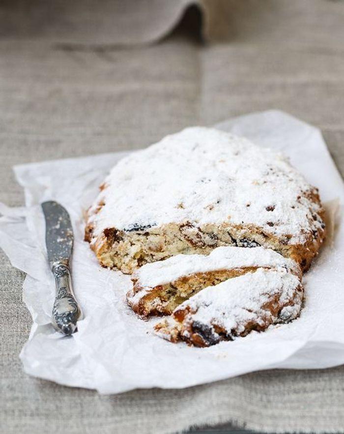 Christmas cake le stollen christmas cake l autre g teau de no l elle - Gateau de noel alsacien stollen ...