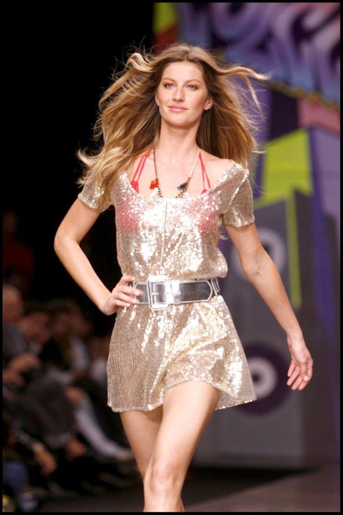 Fashion De Moda: Gisele Bündchen : 37 Ans En